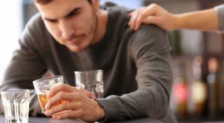 Как помочь человеку бросить пить?